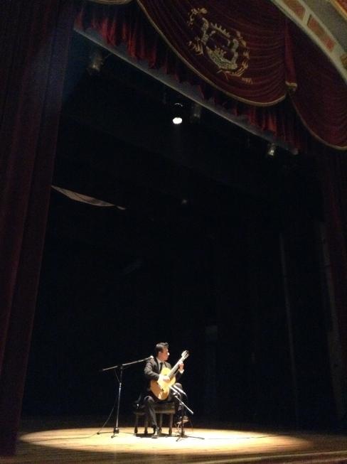 En el Teatro José Rosas Moreno, presentando el CD Lagos